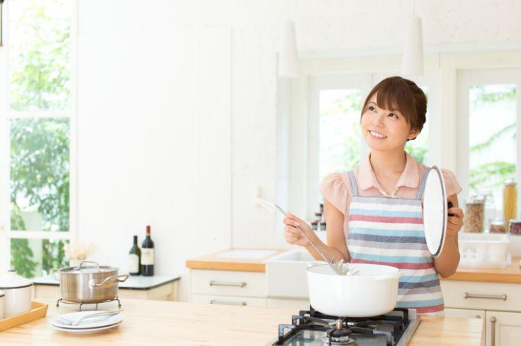 家事代行 若い女性
