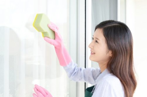 リビングの窓掃除