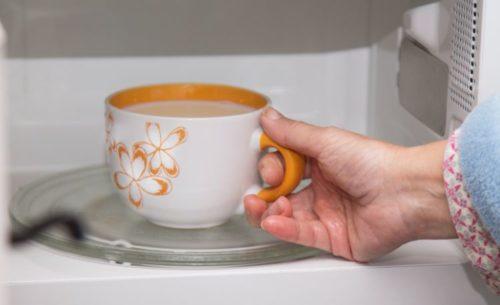 電子レンジ内の水垢掃除にクエン酸を使おう!