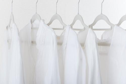 襟付きのシャツの干し方