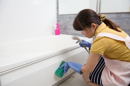 浴槽エプロンの掃除