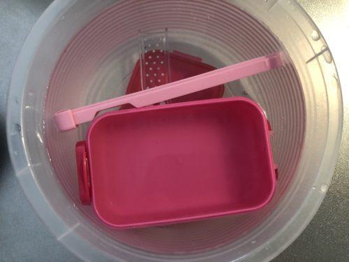 プラスチック容器の掃除にセスキ炭酸ソーダ