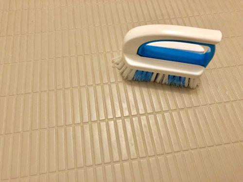 浴室の床の汚れ