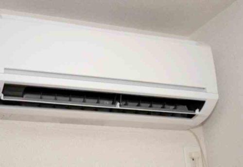 壁掛けエアコンと天井埋め込み型エアコンのクリーニングの費用相場