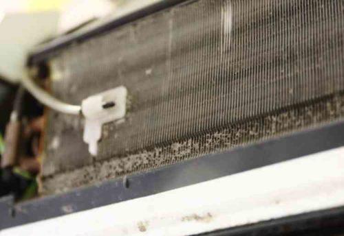 エアコンのフィン部分を掃除