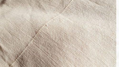 乾いた布で水気を取る