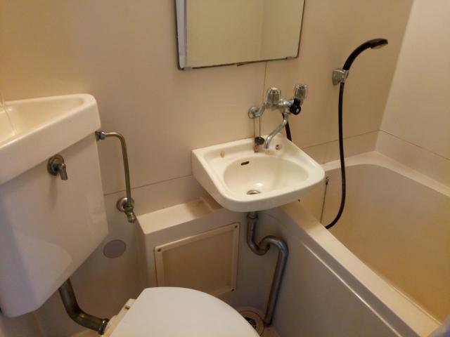 ユニットバスのトイレタンクの掃除