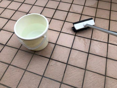 ベランダ掃除 水洗い