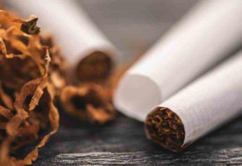 エアコンの臭い原因はタバコ