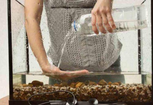 砂利やアクセサリー類の掃除