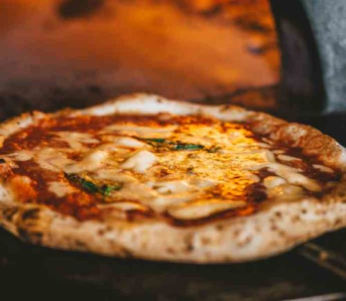 冷凍した宅配ピザの美味しい解凍方法