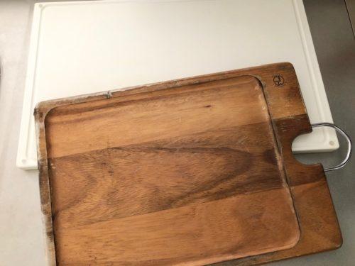 木製とプラスチック製のまな板