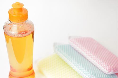 服の軽い黄ばみには食器用洗剤