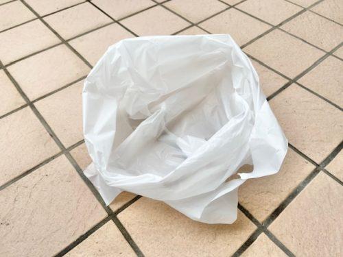 捨てやすいようビニール袋をセットしておく