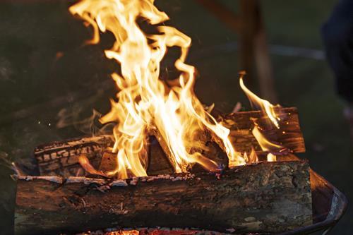 油を吸った紙は自然発火する可能性がある