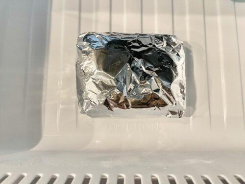 アルミホイルで包んだ冷凍ご飯